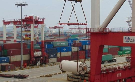 Gebruder Weiss Handles Breakbulk on a Container Ship