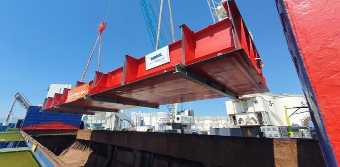 Gebrüder Weiss Complete Transport of Two Huge Floodgates