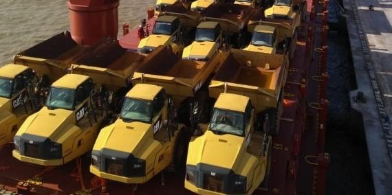 CTO do Brasil Ship 28 CAT Trucks & Excavators to the UAE
