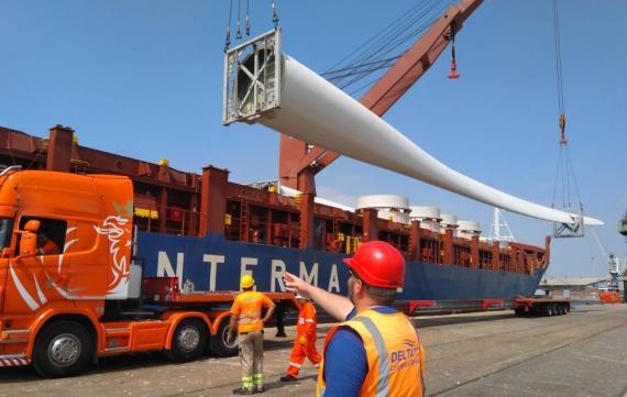 Delta Maritime Take Receipt of Windmill Blades in Greece