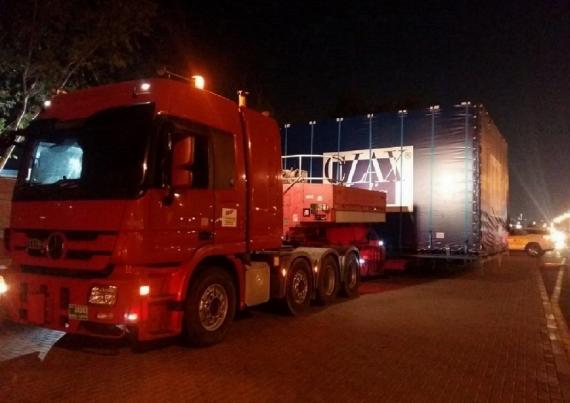 Polaris Handle Transport of Huge Fish Tank in Dubai