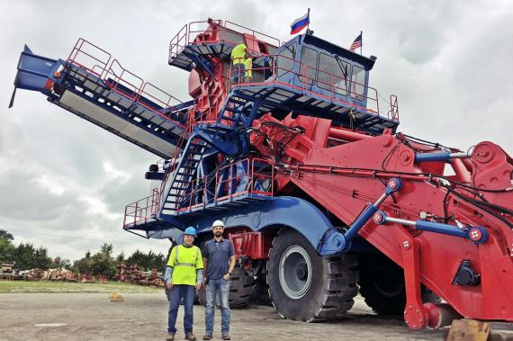 Glogos & Breakbulk with Cooperative Transport of Salt Harvester