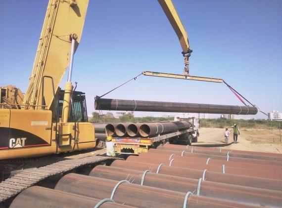EXG Handle Breakbulk Shipment of 850 Large Pipes